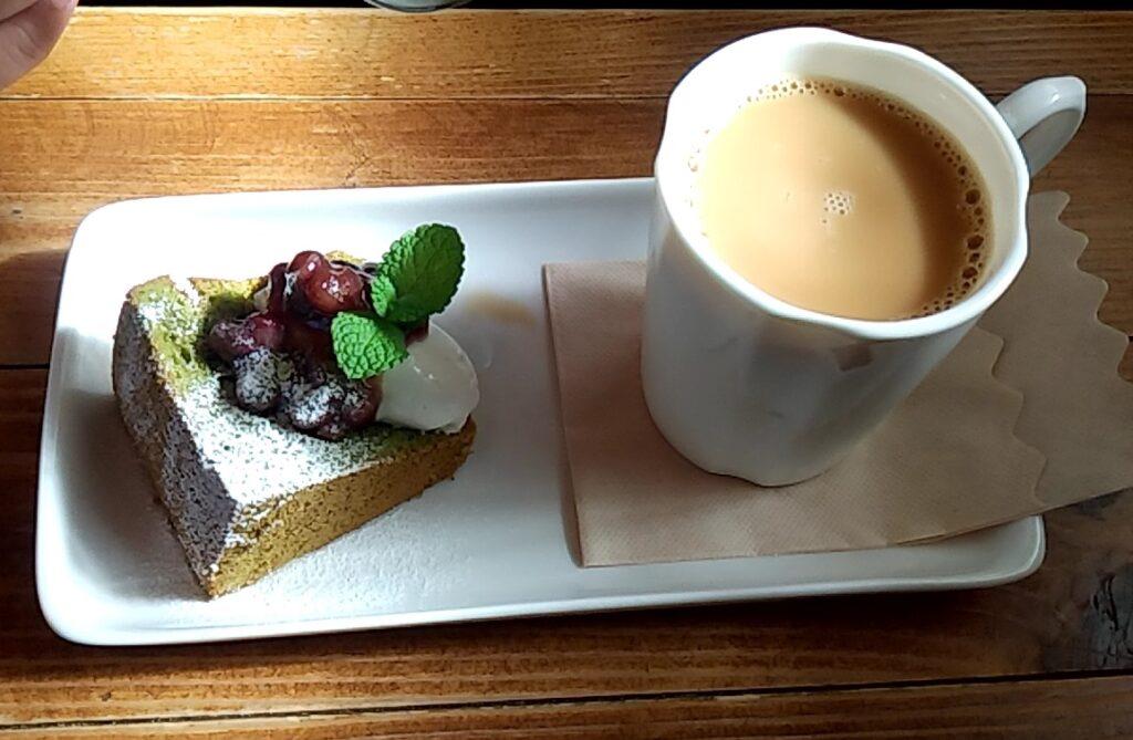 cafe歩笑(ぽえむ)ケーキとドリンク