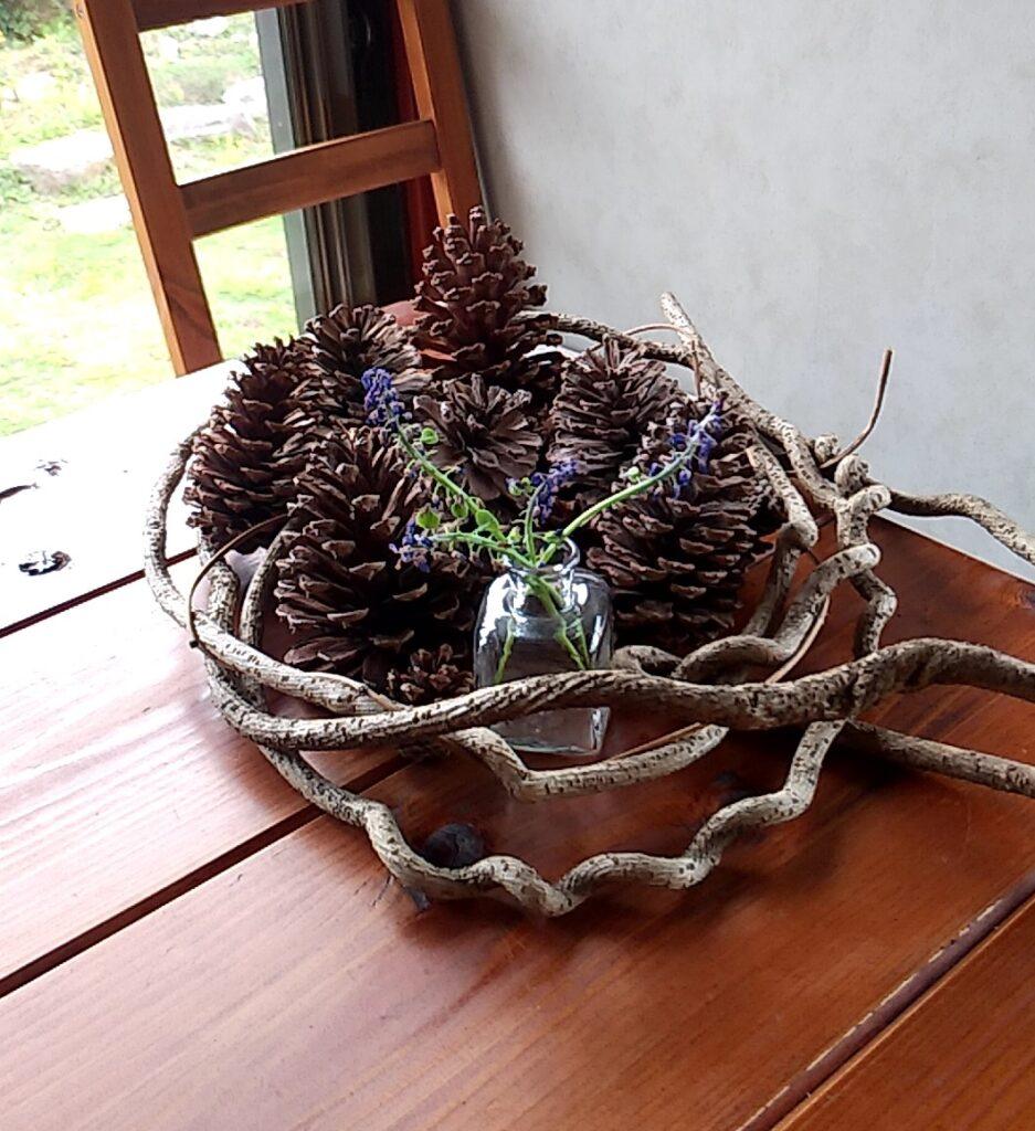 『シモアサオンデ』テーブル上の飾り