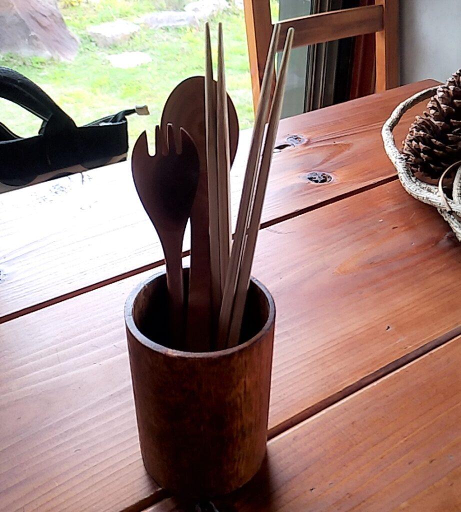 『シモアサオンデ』箸、スプーン立て